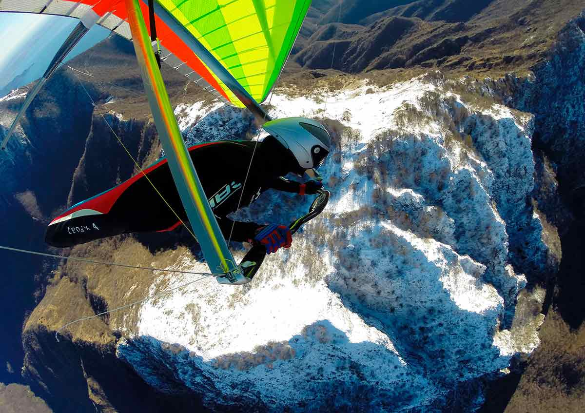 volo in deltaplano sul lago di garda brescia