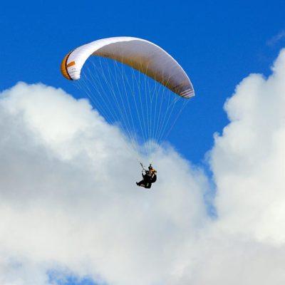 volo parapendio sul lago di garda